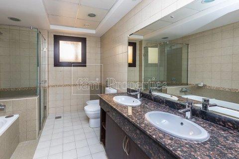 Townhouse in Dubai Land, Dubai, UAE 4 bedrooms, 386.8 sq.m. № 3477 - photo 8