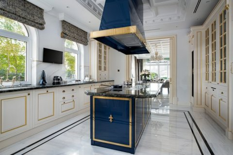 Villa in Palm Jumeirah, Dubai, UAE 7 bedrooms, 863 sq.m. № 6592 - photo 9