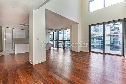 Duplex in Jumeirah, Dubai, UAE 4 bedrooms, 272.7 sq.m. № 4662 - photo 3