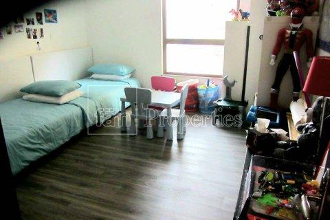 Apartment in Dubai, UAE 3 bedrooms, 170.8 sq.m. № 3287 - photo 6