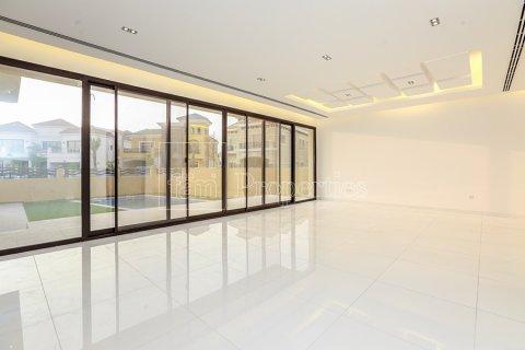 Villa in Dubai Land, Dubai, UAE 5 bedrooms, 641 sq.m. № 5052 - photo 4