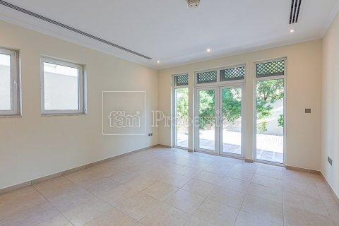 Villa in Jumeirah, Dubai, UAE 3 bedrooms, 826.6 sq.m. № 3417 - photo 7