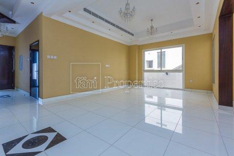 Villa in Dubai Land, Dubai, UAE 4 bedrooms, 557.4 sq.m. № 4774 - photo 3