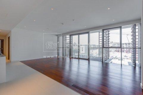 Apartment in Jumeirah, Dubai, UAE 3 bedrooms, 215.3 sq.m. № 5278 - photo 7