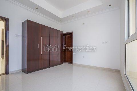 Villa in Dubai Land, Dubai, UAE 4 bedrooms, 557.4 sq.m. № 4774 - photo 20