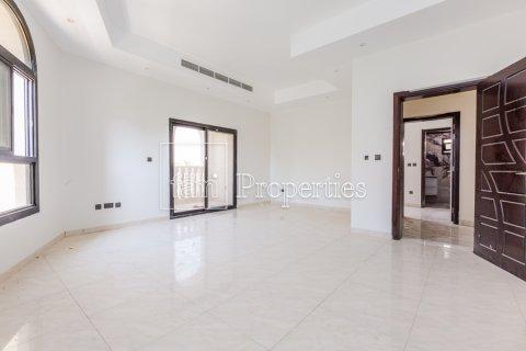 Villa in Dubai Land, Dubai, UAE 5 bedrooms, 534.2 sq.m. № 4776 - photo 19