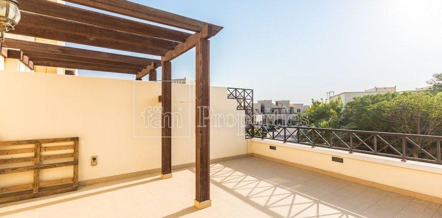 Townhouse in Dubai Land, Dubai, UAE 4 bedrooms, 386.8 sq.m. № 3477