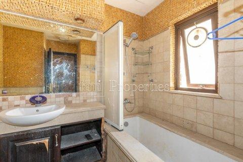 Villa in Dubai Land, Dubai, UAE 6 bedrooms, 1254.2 sq.m. № 5196 - photo 26