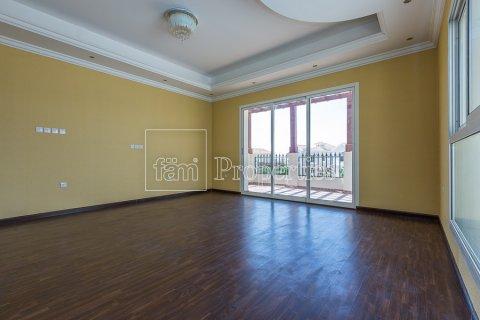 Villa in Dubai Land, Dubai, UAE 4 bedrooms, 557.4 sq.m. № 4774 - photo 24