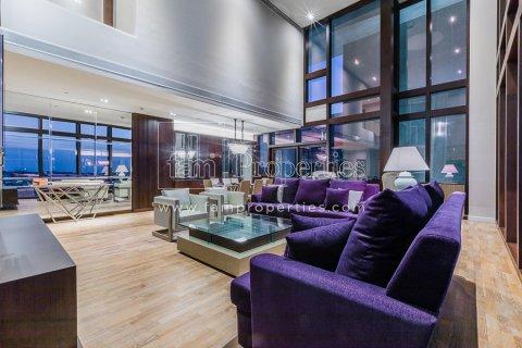 Duplex in Jumeirah, Dubai, UAE 3 bedrooms, 284.2 sq.m. № 4853 - photo 3