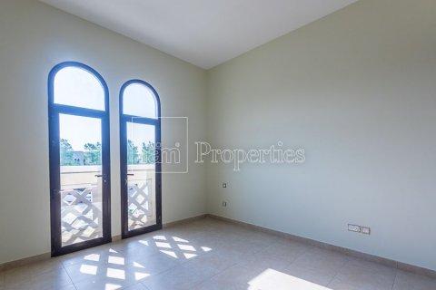 Townhouse in Dubai Land, Dubai, UAE 4 bedrooms, 386.8 sq.m. № 3477 - photo 10