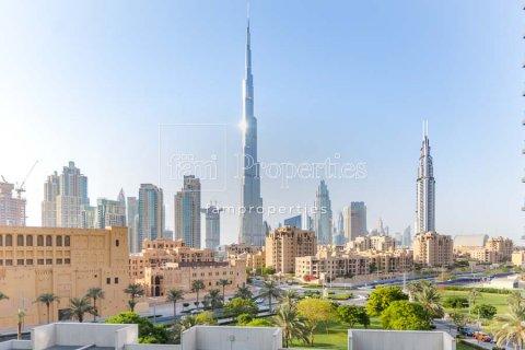 Apartment in Downtown Dubai (Downtown Burj Dubai), Dubai, UAE 2 bedrooms, 156 sq.m. № 3867 - photo 1