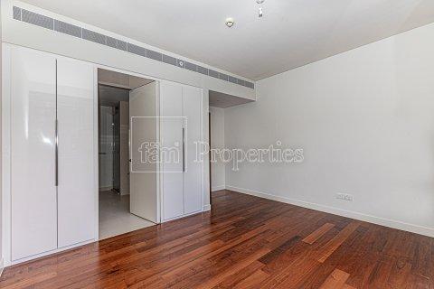 Duplex in Jumeirah, Dubai, UAE 4 bedrooms, 272.7 sq.m. № 4662 - photo 4