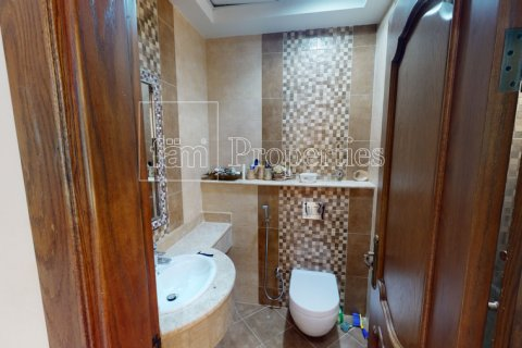 Villa in Dubai Land, Dubai, UAE 7 bedrooms, 650.3 sq.m. № 5047 - photo 25