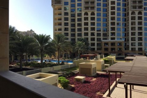 Apartment in Palm Jumeirah, Dubai, UAE 2 bedrooms, 189.2 sq.m. № 3288 - photo 11