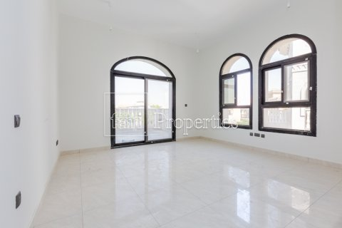 Villa in Dubai Land, Dubai, UAE 5 bedrooms, 534.2 sq.m. № 4776 - photo 12