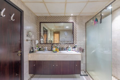 Villa in Dubai Land, Dubai, UAE 5 bedrooms, 550.7 sq.m. № 3848 - photo 24