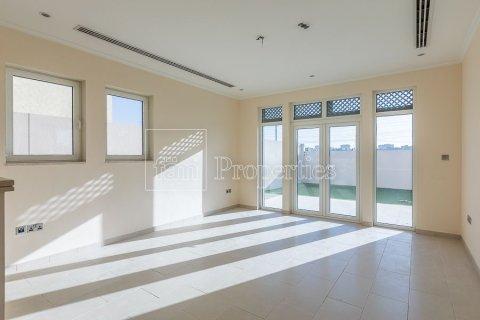 Villa in Jumeirah, Dubai, UAE 3 bedrooms, 826.6 sq.m. № 3417 - photo 4
