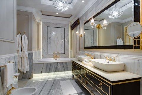 Villa in Palm Jumeirah, Dubai, UAE 6 bedrooms, 863 sq.m. № 6598 - photo 9