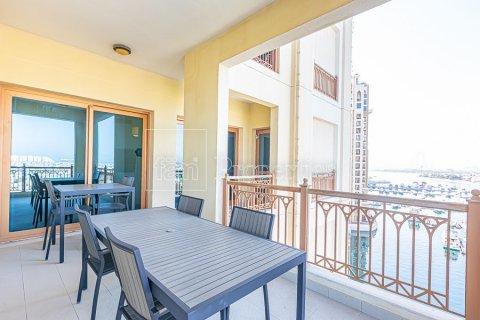 Apartment in Palm Jumeirah, Dubai, UAE 3 bedrooms, 376.5 sq.m. № 3574 - photo 21