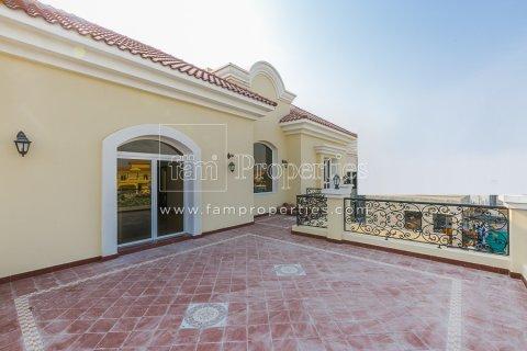 Villa in Dubai Land, Dubai, UAE 6 bedrooms, 947.6 sq.m. № 5045 - photo 3