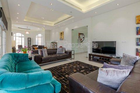 Villa in Dubai Land, Dubai, UAE 4 bedrooms, 557.4 sq.m. № 5189 - photo 1