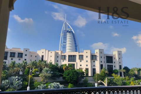 Apartment in Umm Suqeim, Dubai, UAE 3 bedrooms, 201 sq.m. № 3125 - photo 12