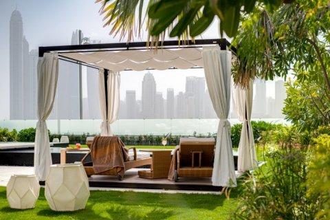Villa in Palm Jumeirah, Dubai, UAE 7 bedrooms, 863 sq.m. № 6592 - photo 12