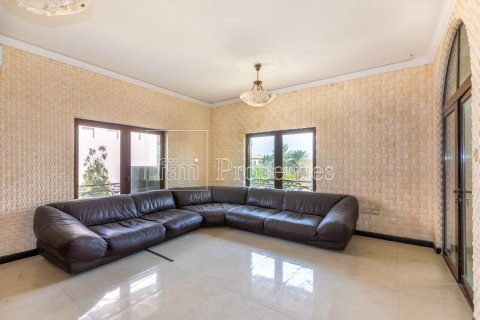 Villa in Dubai Land, Dubai, UAE 6 bedrooms, 1254.2 sq.m. № 5196 - photo 12