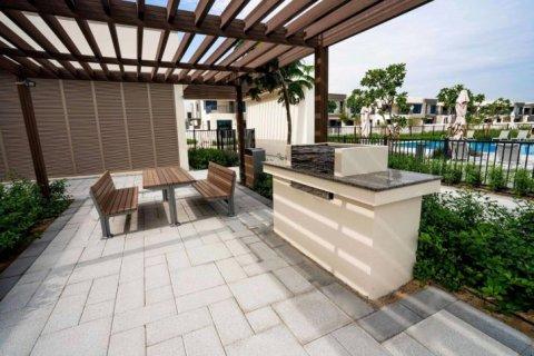 Townhouse in Dubai Hills Estate, Dubai, UAE 4 bedrooms, 222 sq.m. № 6655 - photo 12