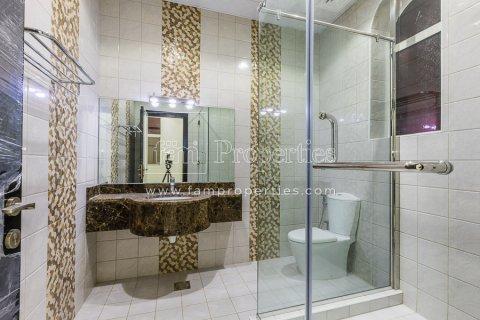 Villa in Dubai Land, Dubai, UAE 5 bedrooms, 678.2 sq.m. № 5106 - photo 8