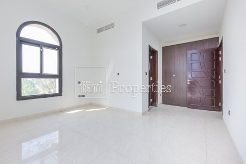 Villa in Dubai Land, Dubai, UAE 5 bedrooms, 534.2 sq.m. № 4776 - photo 9