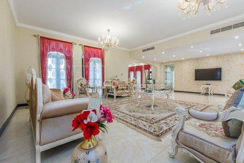 Villa in Dubai Land, Dubai, UAE 6 bedrooms, 1579.3 sq.m. № 5197 - photo 1