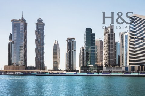 Building in Business Bay, Dubai, UAE 20725.5 sq.m. № 2989 - photo 4