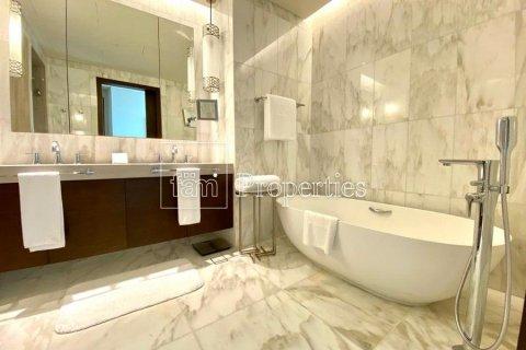 Apartment in Downtown Dubai (Downtown Burj Dubai), Dubai, UAE 4 bedrooms, 251.2 sq.m. № 5507 - photo 18