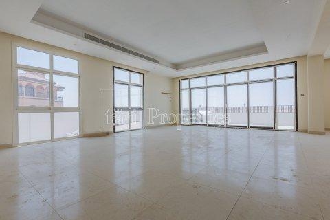 Villa in Dubai Land, Dubai, UAE 7 bedrooms, 1021.6 sq.m. № 5030 - photo 3