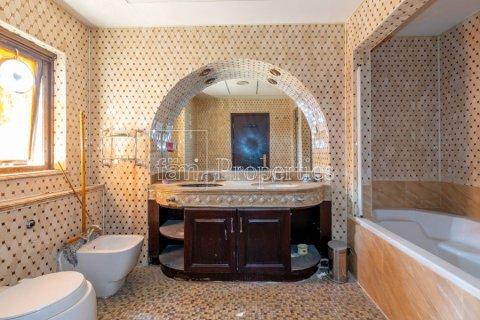 Villa in Dubai Land, Dubai, UAE 6 bedrooms, 1254.2 sq.m. № 5196 - photo 27
