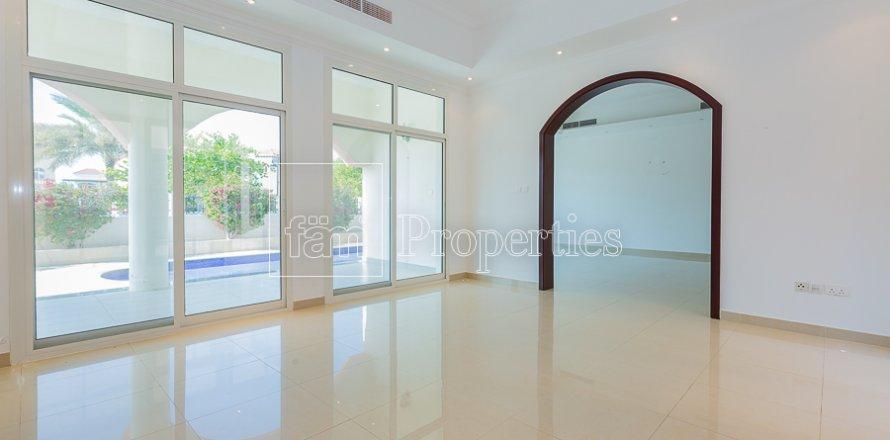 Villa in Dubai Land, Dubai, UAE 6 bedrooms, 743.2 sq.m. № 4577