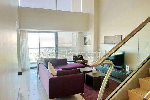 Apartment in Dubai, UAE 3 bedrooms, 246 sq.m. № 5572 - photo 21