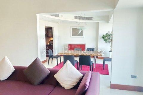 Apartment in Dubai, UAE 3 bedrooms, 246 sq.m. № 5572 - photo 26