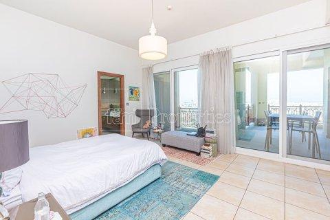 Apartment in Palm Jumeirah, Dubai, UAE 3 bedrooms, 376.5 sq.m. № 3574 - photo 24