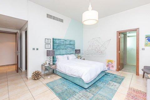 Apartment in Palm Jumeirah, Dubai, UAE 3 bedrooms, 376.5 sq.m. № 3574 - photo 13