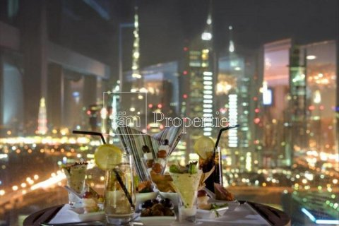 Apartment in Dubai, UAE 3 bedrooms, 246 sq.m. № 5572 - photo 1