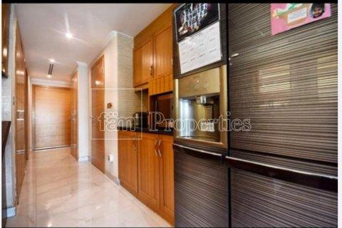 Villa in Jumeirah, Dubai, UAE 3 bedrooms, 931.5 sq.m. № 3230 - photo 1