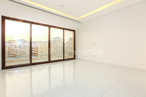 Villa in Dubai Land, Dubai, UAE 5 bedrooms, 641 sq.m. № 5052 - photo 6