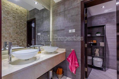 Villa in Dubai Land, Dubai, UAE 4 bedrooms, 557.4 sq.m. № 5189 - photo 2