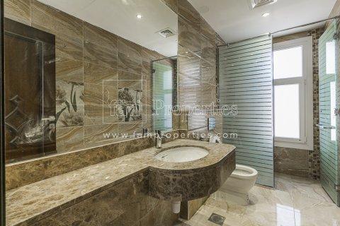 Villa in Dubai Land, Dubai, UAE 6 bedrooms, 947.6 sq.m. № 5045 - photo 9