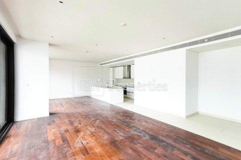 Apartment in Jumeirah, Dubai, UAE 3 bedrooms, 215.8 sq.m. № 4676 - photo 4