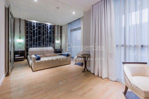 Duplex in Jumeirah, Dubai, UAE 3 bedrooms, 284.2 sq.m. № 4853 - photo 8