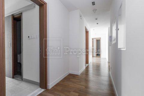 Apartment in Jumeirah, Dubai, UAE 3 bedrooms, 204.6 sq.m. № 4706 - photo 4